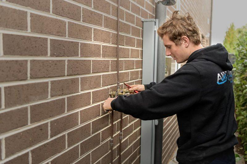 plumbing service in niddrie